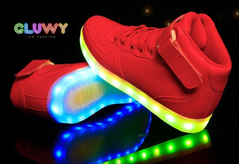 beleuchtung led schuhe rote turnschuhe led schuhe get a. Black Bedroom Furniture Sets. Home Design Ideas